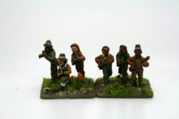 Trent Miniatures Ir98/02 IRISH INSURGENTS w. Firearms Pk of 8
