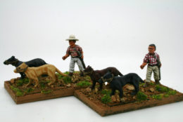Trent Miniatures CUBAN CHASSEURS & DOGS Car09