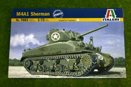 M4 A1 Sherman Tank 1/72 Scale Italeri Military Kit 7003