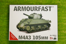 Armourfast Sherman M4A3 105mm WW2 Tank 1/72 set 99015