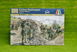 GERMAN PARATROOPS TROPICAL WWII 1/72 Scale Italeri 6134