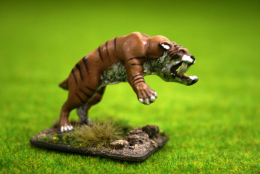 SMILODON or SABRE TOOTH TIGER (Attacking) DeeZee Miniatures DZ13 28mm Wargames