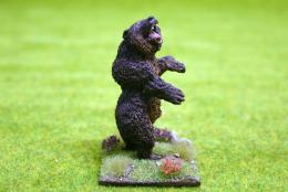 DeeZee Miniatures CAVE BEAR REARING DZ10 28mm Wargames Scale