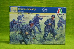 German Infantry WWII 1/72 Scale Italeri Kit 6033