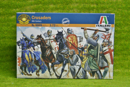 1:72 Scale CRUSADERS 12th Century  Italeri 6009