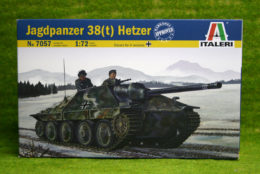 Italeri JAGDPANZER 38(t) HETZER 1/72 Scale Kit 7057