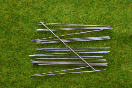 Metal Thin wire Spears & Javelins 50mm long Pack of 40 spears