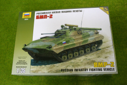 BMP-2 Russian Infantry Fighting Vehicle 1/35 Zvezda set 3554