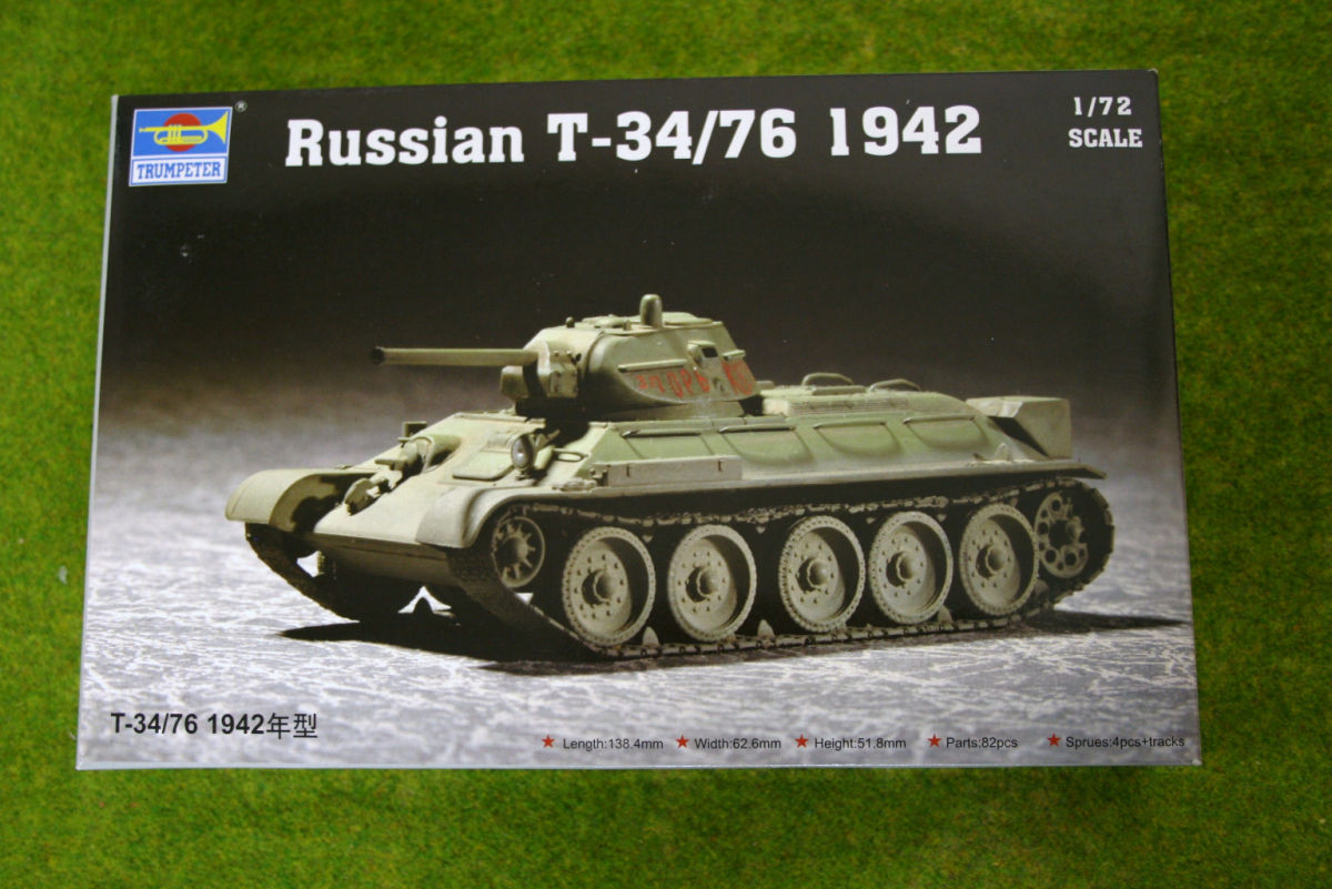 Trumpeter RUSSIAN T-34/76 1942 Tank 1/72 scale kit 7210