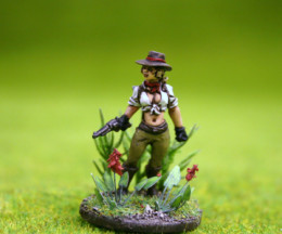 Lucid Eye SCE03 Annalisse, Lost Explorer – Savage Core  28mm scale