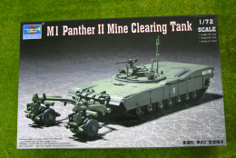 Trumpeter M1 PANTHER MINE CLEARING TANK 1/72 scale kit 7280