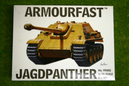 Armourfast JAGDPANTHER  x 2 WWII Tank 1/72  99002