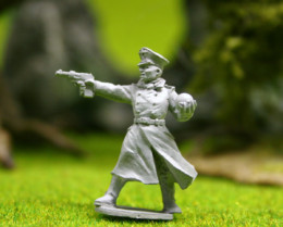 Lucid Eye SCE05 Colonel Klee, Third Reich Treasure Hunter – Savage Core  28mm scale