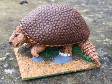 Glyptodon painted - working on the base