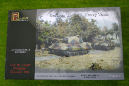 WWII German TIGER II Heavy Tank 1/72 Pegasus 7627