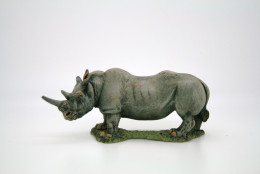 WHITE RHINOCEROS – Resin model DeeZee Miniatures DZ33 28mm Wargames & RPG