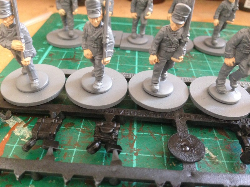 warlord figures, assembled & primed