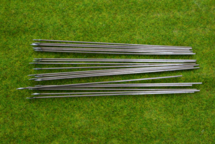 Metal wire Spears & Javelins 100mm long Pack of 20
