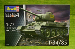 T-34/85 Russian Tank 1/72 scale Revell kit 03302