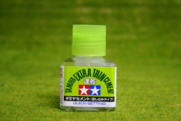 Tamiya EXTRA THIN CEMENT – QUICK SETTING polystyrene glue for kits 40mls bottle 87182