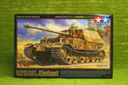 Tamiya GERMAN HEAVY TANK DESTROYER ELEFANT 1/48 Scale 32589