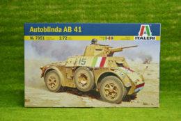 Italeri AUTOBLINDA AB41 1/72 Scale Kit 7051