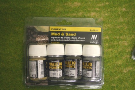 Vallejo Pigments MUD & SAND four 35mls pot set 73191