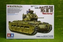 "Tamiya Infantry Tank MATILDA Mk III/IV ""Red Army"" 1/35 Scale Kit 35355 D"