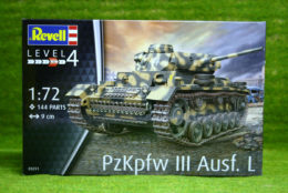 PzKpfw. III Ausf. L 1/72 Scale Revell Military Kit 03151