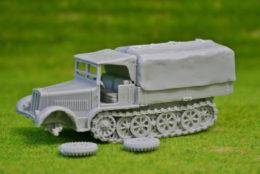 1/56 scale – 28mm WW2 GERMAN SDKFZ 7 MOVER with TARP HALFTRACK Blitzkrieg miniatures