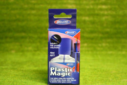 Deluxe Plastic Magic glue for plastic models 40ml 46099