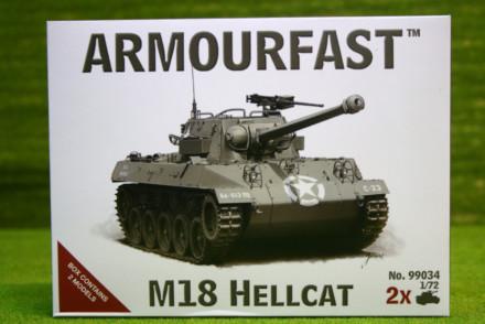 Armourfast M18 HELLCAT x 2 WWII Tank 1/72 99034