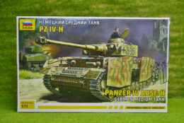 GERMAN MEDIUM TANK PANZER IV Ausf. H 1/72 Zvezda 5017