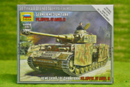 Zvezda PZKPFW IV AUSF H GERMAN MEDIUM TANK 1/100 scale 6240