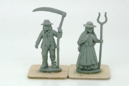 Trent Miniatures WELSH PEASANT COUPLE 28mm W02