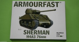 Armourfast Sherman M4A3 76 mm WWII Tank 1/72 set 99012