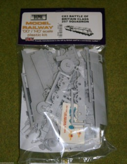 Dapol BATTLE OF BRITAIN CLASS 257 SQUADRON 1/76 Scale scenery Kit 00/HO C83