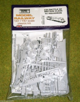 Dapol BATTLE OF BRITAIN CLASS 92 SQUADRON 1/76 Scale scenery Kit 00/HO C84