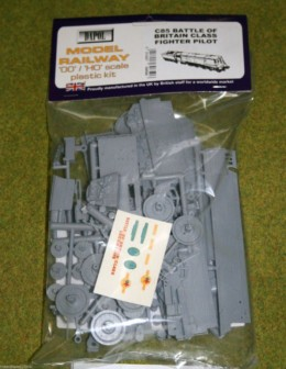 Dapol BATTLE OF BRITAIN CLASS FIGHTER PILOT 1/76 Scale scenery Kit 00/HO C85