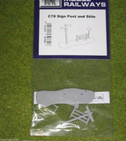 Dapol SIGN POST AND STILE 1/76 Scale scenery Kit 00/HO C78