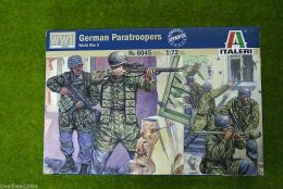 Italeri German Paratroops WWII 1/72 Scale Kit 6045