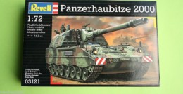 Panzerhaubitze 2000 SPG 1/72 Scale Revell Military Kit 3121