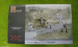 Pegasus WW2 GERMAN FALLSCHIRMJAGER 1/32 set 3204