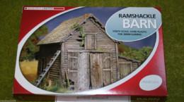 RAMSHACKLE BARN  RENEDRA Plastic Scenery & Terrain 28mm – 1/56th Scale